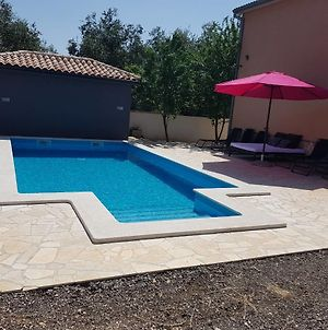 Family Friendly Apartments With A Swimming Pool Pula - 15306 photos Exterior