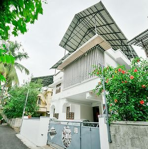 Oyo 14038 Home Cozy Stay Edapally photos Exterior