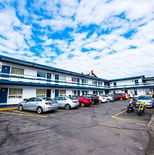 Niagara Parkway Court Motel photos Exterior