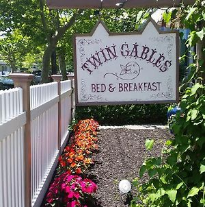 Twin Gables Bed & Breakfast photos Exterior