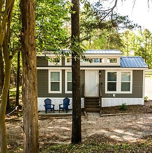 Tiny House Long Cove Lakefront Cabins In The Heart Of Charlotte With Kitchenette photos Exterior