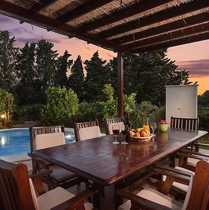 Villa Liza With Private Pool,80M From The Sea photos Exterior