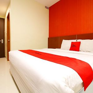 Reddoorz Premium Near Nipah Mall photos Exterior