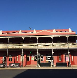 Tumut Star Hotel photos Exterior