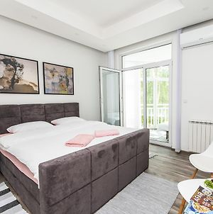 Modern Apartment In The Heart Of The City Center photos Exterior