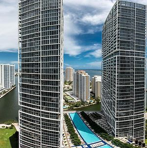 Flashstay Deluxe At Icon Brickell photos Exterior