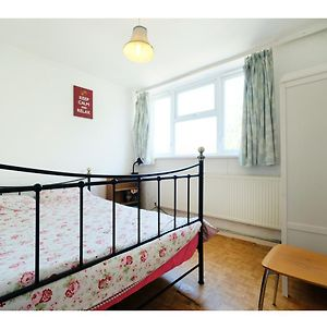 A Cosy Two Bedroom Apartment, Sleeps 3 photos Exterior