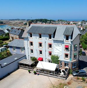 Logis Hotel Restaurant Le Phare photos Exterior