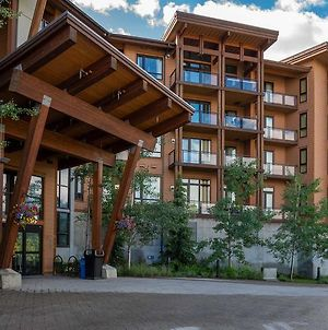 Sutton Place Hotel Revelstoke Mountain Resort photos Exterior