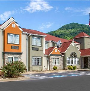 Quality Inn And Suites Maggie Valley Cherokee Area photos Exterior