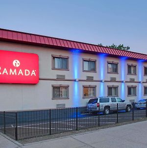 Ramada By Wyndham Bronx photos Exterior