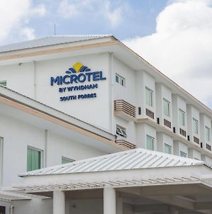 Microtel By Wyndham South Forbes photos Exterior