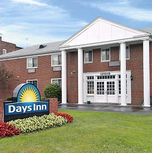 Days Inn By Wyndham Cleveland Lakewood photos Exterior