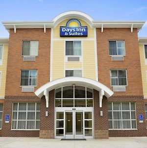 Days Inn & Suites By Wyndham Caldwell photos Exterior