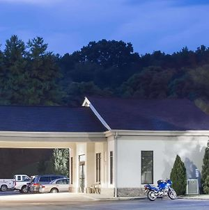 Super 8 By Wyndham Daleville/Roanoke photos Exterior