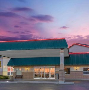 Super 8 By Wyndham Portage La Prairie Mb photos Exterior