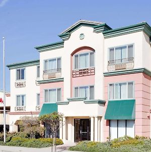 Ramada By Wyndham Marina photos Exterior