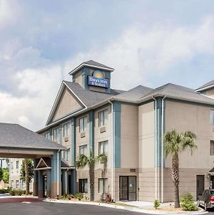 Days Inn By Wyndham Jesup photos Exterior