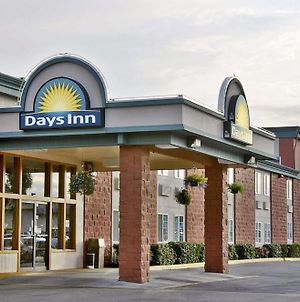 Days Inn By Wyndham Mt. Vernon photos Exterior