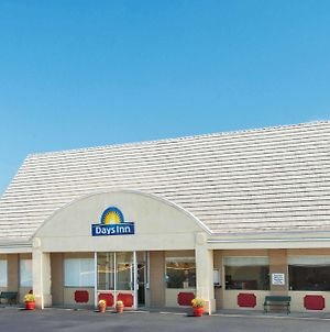 Days Inn By Wyndham Frankfort photos Exterior