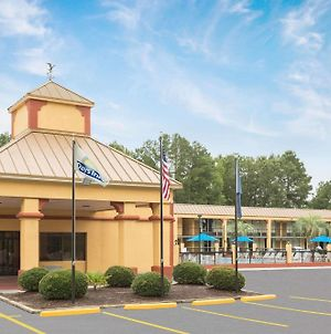 Days Inn By Wyndham Orangeburg South photos Exterior