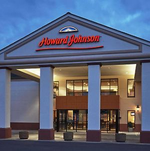 Howard Johnson Plaza Hotel By Wyndham Madison photos Exterior