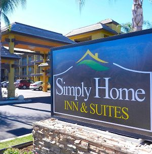Simply Home Inn & Suites - Riverside photos Exterior