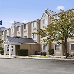 Microtel Inn By Wyndham Louisville East photos Exterior