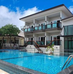 Bee Orchid Pool Villa photos Exterior