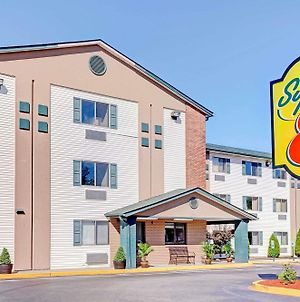 Super 8 By Wyndham Louisville Airport photos Exterior