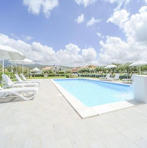 Case Vacanze Mare Nostrum, Villas In Front Of The Beach With Pool photos Exterior