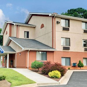 Days Inn By Wyndham Torrington photos Exterior