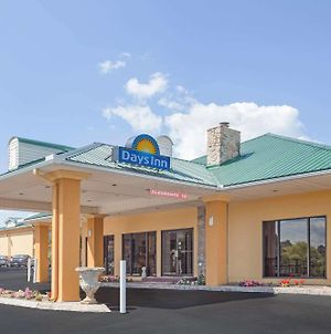 Days Inn By Wyndham Lenoir City photos Exterior