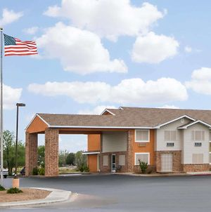 Super 8 By Wyndham Portales photos Exterior