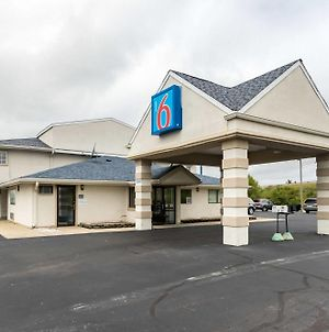 Motel 6-Crawfordsville, In photos Exterior