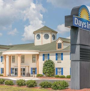 Days Inn By Wyndham Shallotte photos Exterior