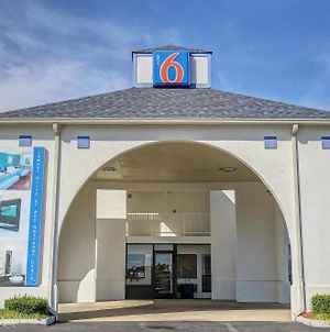 Motel 6 Dickson photos Exterior