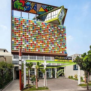 Maxonehotels At Tidar Surabaya photos Exterior
