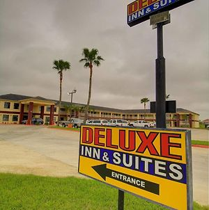 Deluxe Inn And Suites photos Exterior