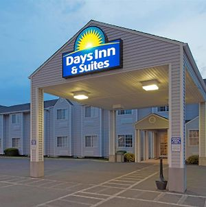 Days Inn & Suites By Wyndham Spokane Airport Airway Heights photos Exterior