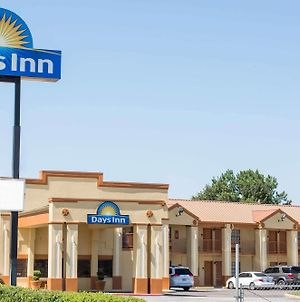Days Inn By Wyndham Orange photos Exterior