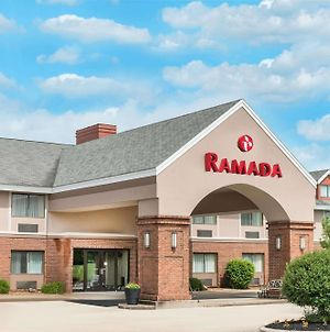 Ramada By Wyndham Vandalia photos Exterior