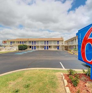 Motel 6 Oklahoma City - Airport photos Exterior