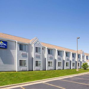 Microtel Inn By Wyndham Janesville photos Exterior