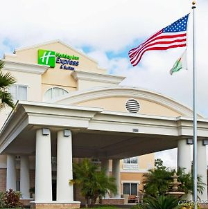 Holiday Inn Express & Suites Tampa-I-75 @ Bruce B. Downs, An Ihg Hotel photos Exterior