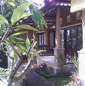 Bali Relax'S Homestay And Cafe photos Room
