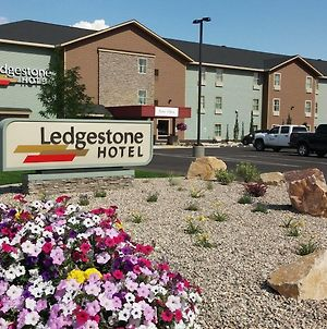 Ledgestone Hotel Vernal photos Exterior