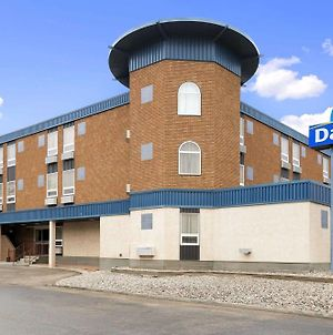 Days Inn By Wyndham Estevan photos Exterior