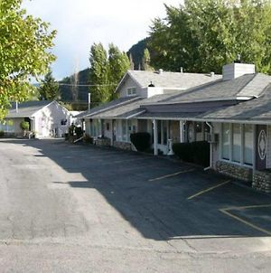 Trail Motel & Rv Park photos Exterior