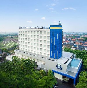 Days Hotel & Suites By Wyndham Jakarta Airport photos Exterior